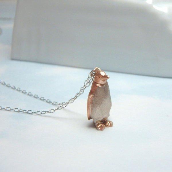 画像1: 待ちぼうけペンギン ペンダント (K10ピンク&ホワイトゴールド) (1)